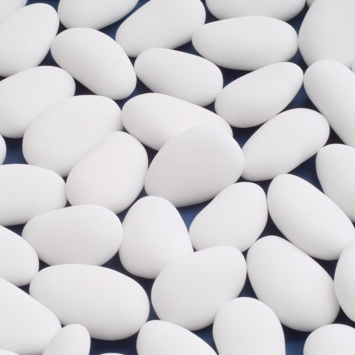 White Luxury Sugared Almonds - 1kg Box
